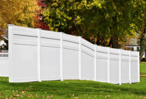 Pewaukee WI Vinyl Privacy Fence with Spear Top